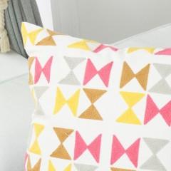 千匠一品北歐風格優質棉麻繡花含芯抱枕KX-68-M